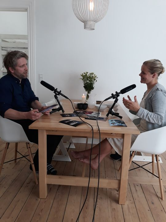 Martin Thaulow and Maren Elise Skjerlie Gilling in the radio program Mikrofonholder.